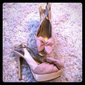 Women's Qupid Light Pink Bow Heels - Size 8